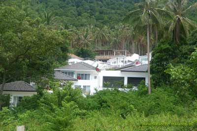 photo 22 English Koh Samui thailand group of villas with pools in the forêt 400