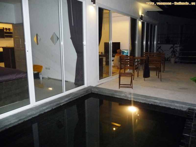 lighting-pool-terrace-room-in-the-villa-rental-at-koh-samui-thailand